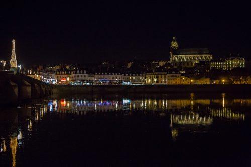 Blois le  pont  la  nuit